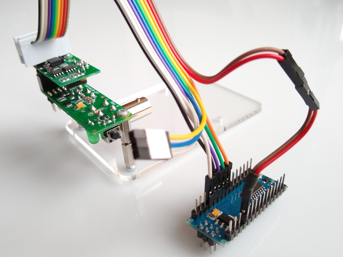Arduino Nano rainbow cable connected to HomeLab-pH.